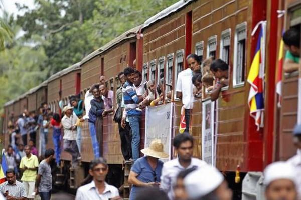 Sri Lankan train Samudra Devi makes special journey to commemorate the 10th anniversary of the Indian Ocean tsunami, at Pereliya