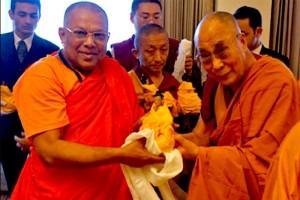 dalailama-meet-sl-monks