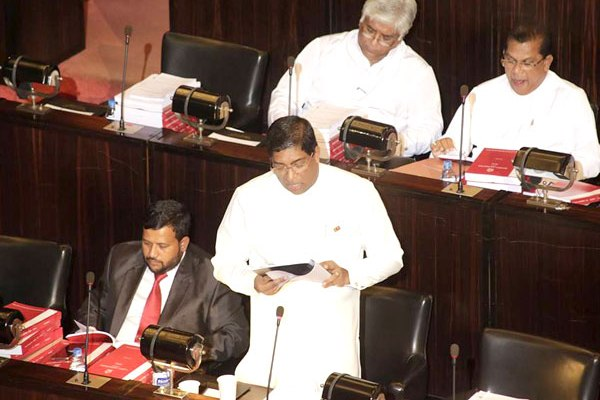 ravi-karunanayake budget (1)