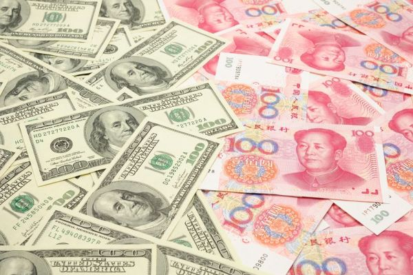 US-Dollar-And-Chinese-Yuan