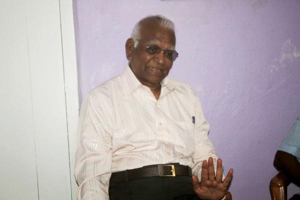 பேராசிரியர் பத்மநாதன்