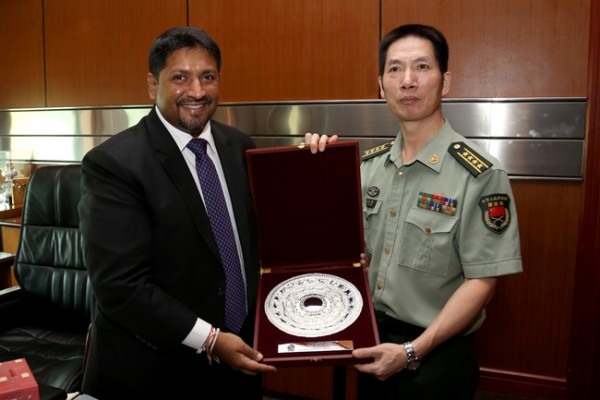 chinese_defence_attac__meets_state_ministe