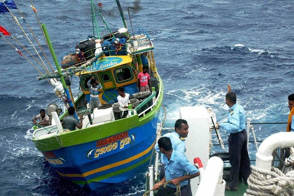 Sri Lankan fishermen arrested