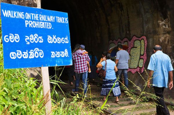 sri lanka Linguistic slights (1)
