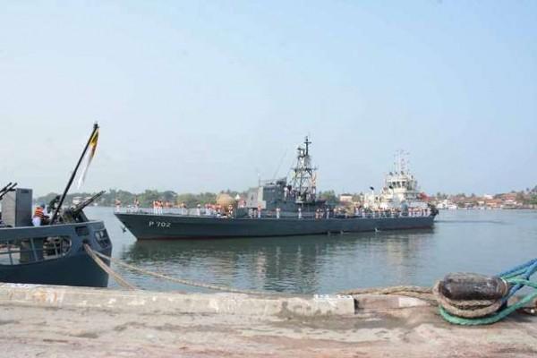Sri Lankan naval ships in Kochi (1)
