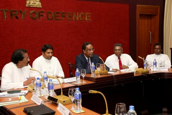 defence meeting (1)