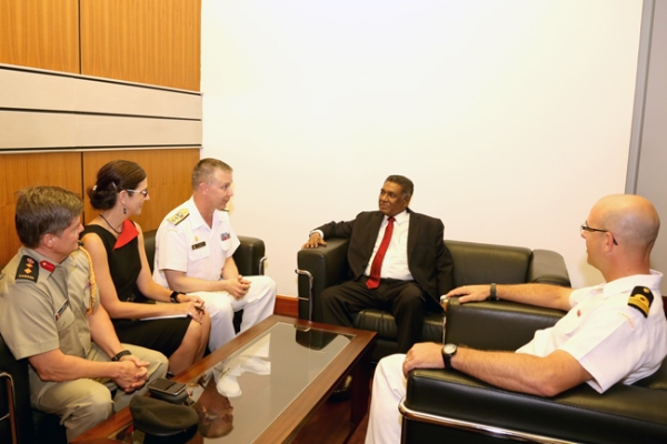 Canadian_delegation_meets- karunasena