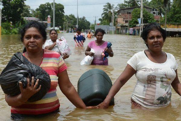 sri lanka flood (1)