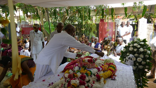 vinayagamoorthy funeral (3)