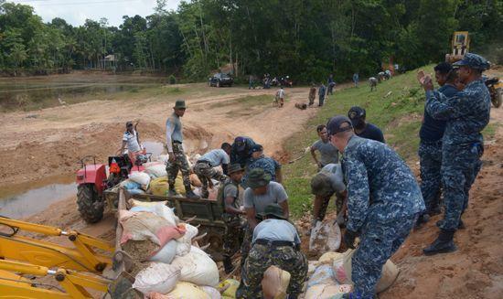 us-navy-aid (2)