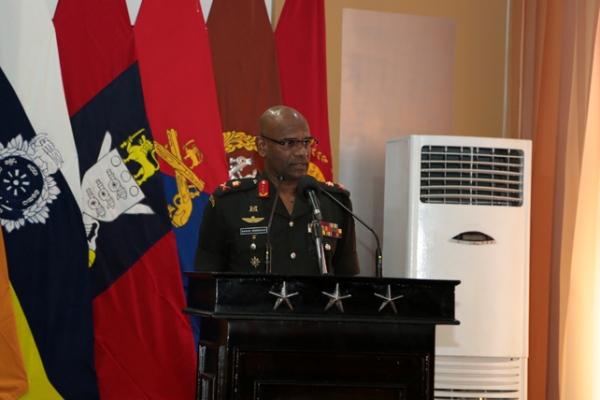 ieutenant General Mahesh Senanayake (1)