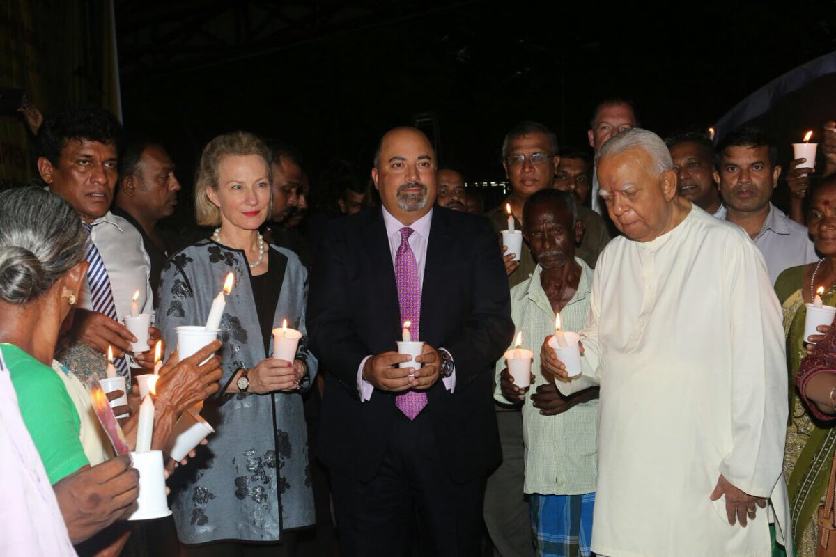 Candle light vigil in Colombo for missing Tamils (3)