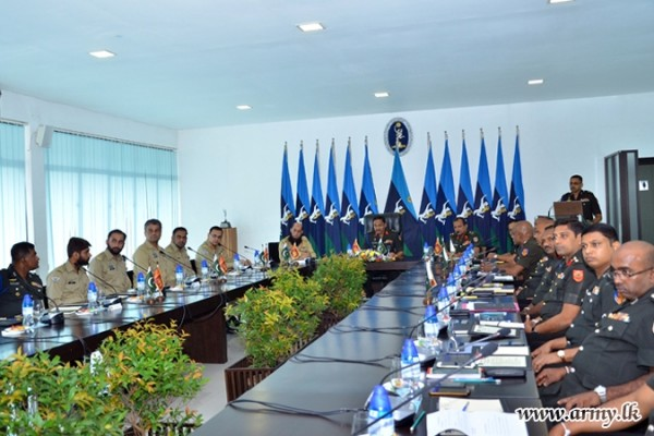 sri lanka-pak army staff talks