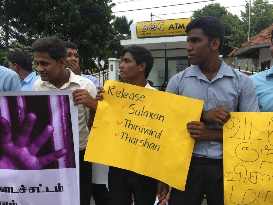 jaffna-students-demo (6)