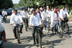 mahinda-bike-ride (1)