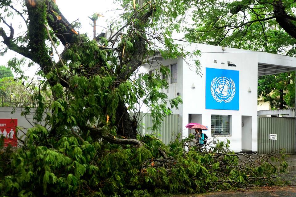 srilanka-cyclone -OCKHI (2)